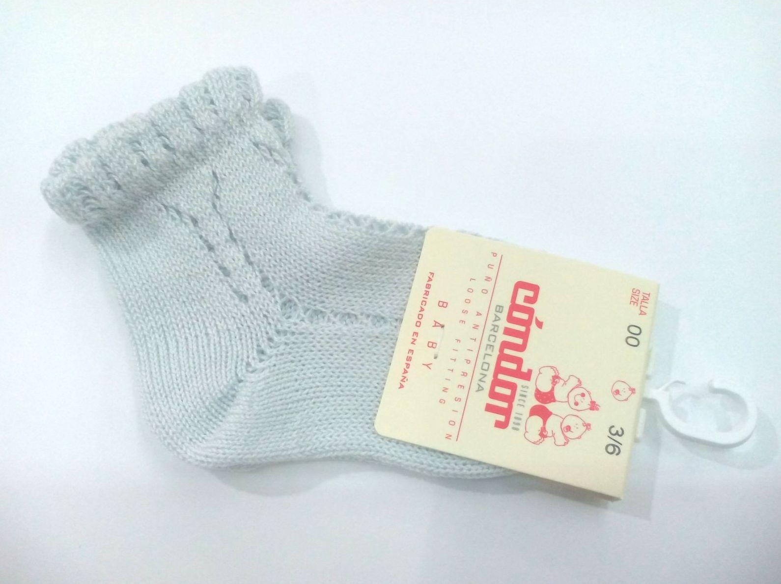 Calcetines cortos calados perlé color aluminio de Cóndor