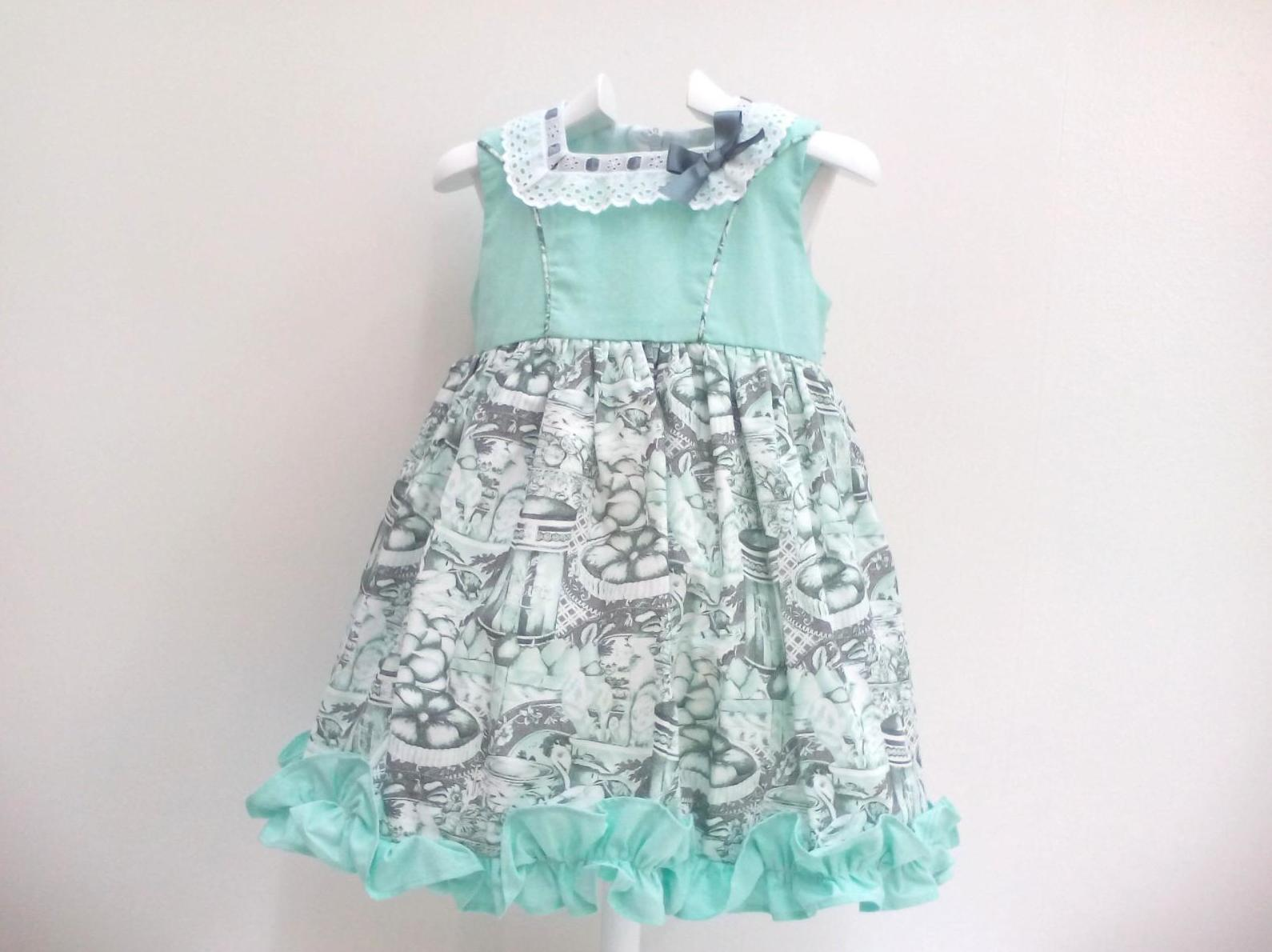 Vestido verde para niña de Creaciones Alves