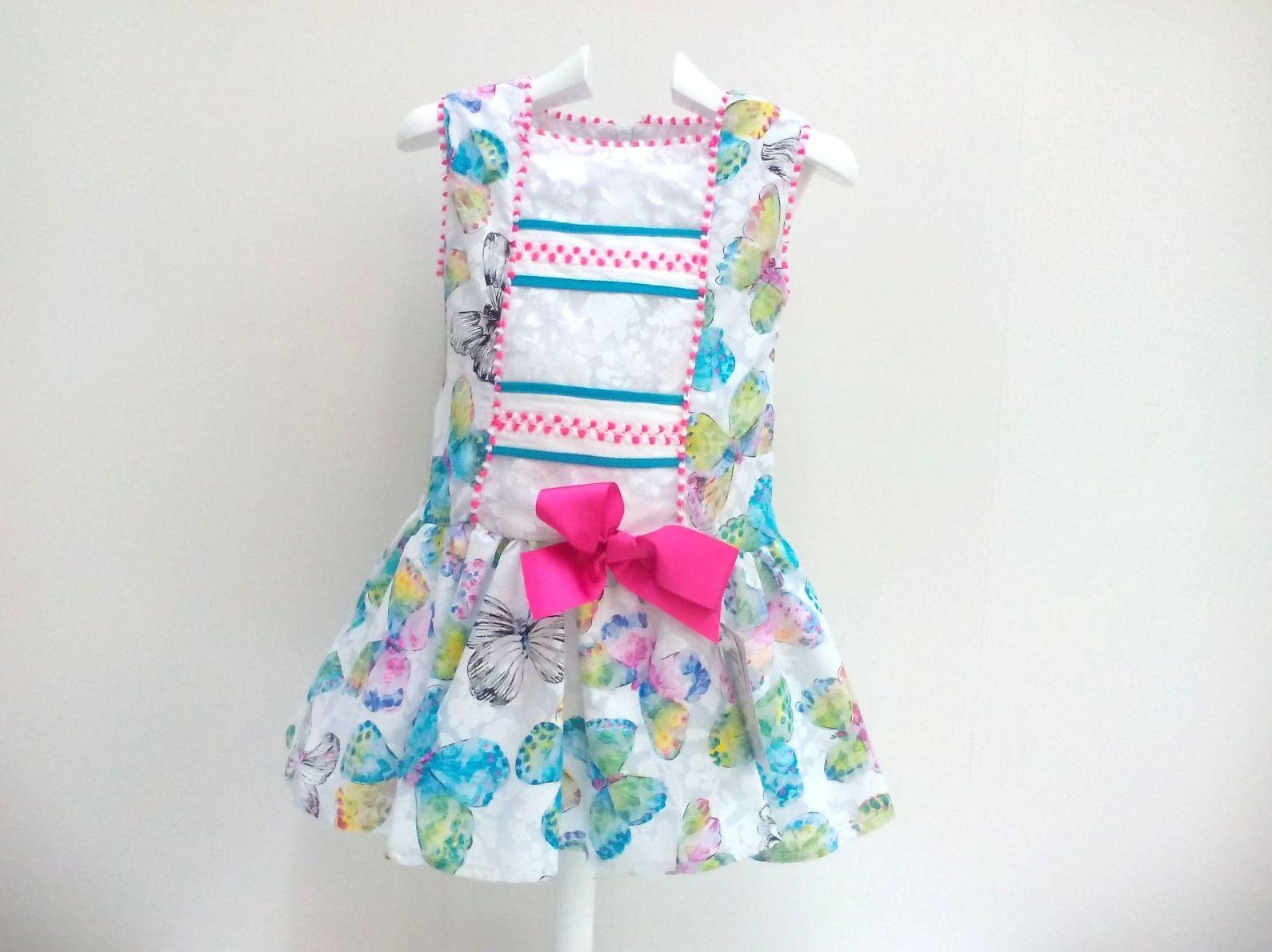 Vestido para niña de mariposas de talle bajo de Creaciones Alves