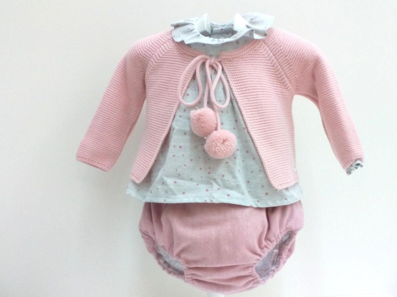 Conjunto para niña de tres piezas en rosa empolvado de Pangasa