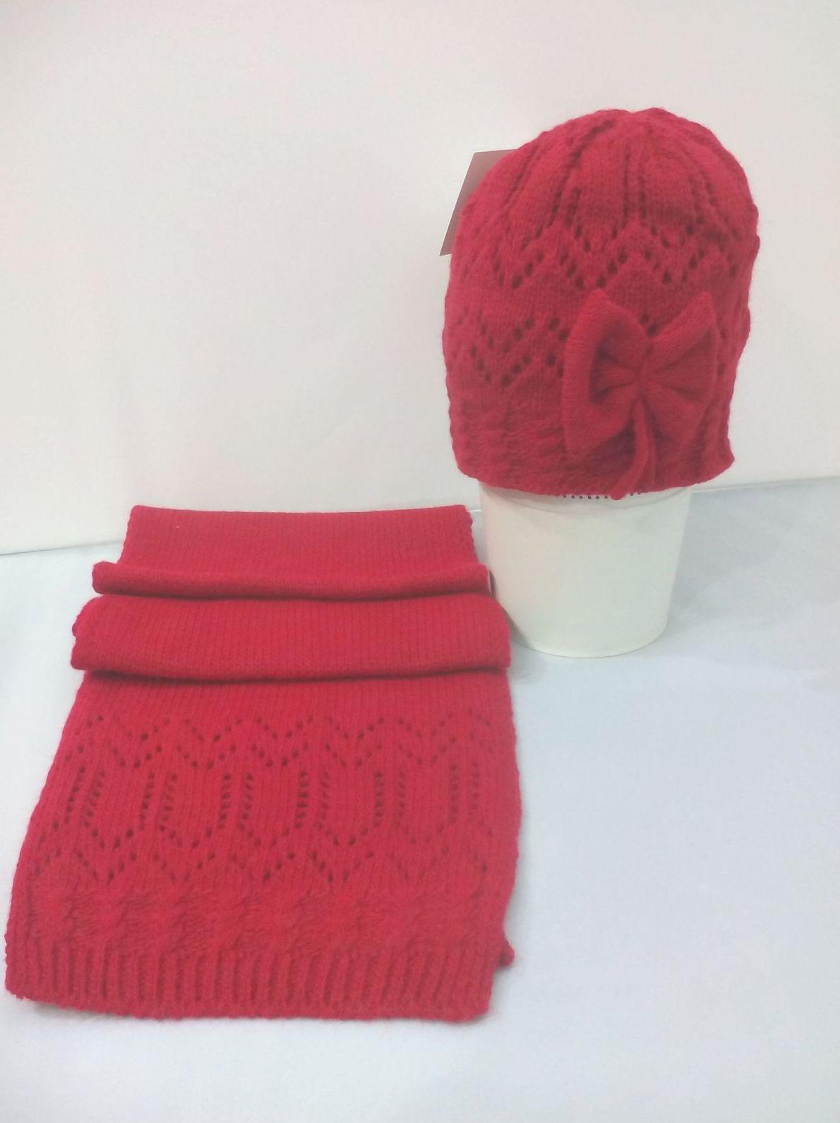 Conjunto de gorro y bufanda Lazo en rojo