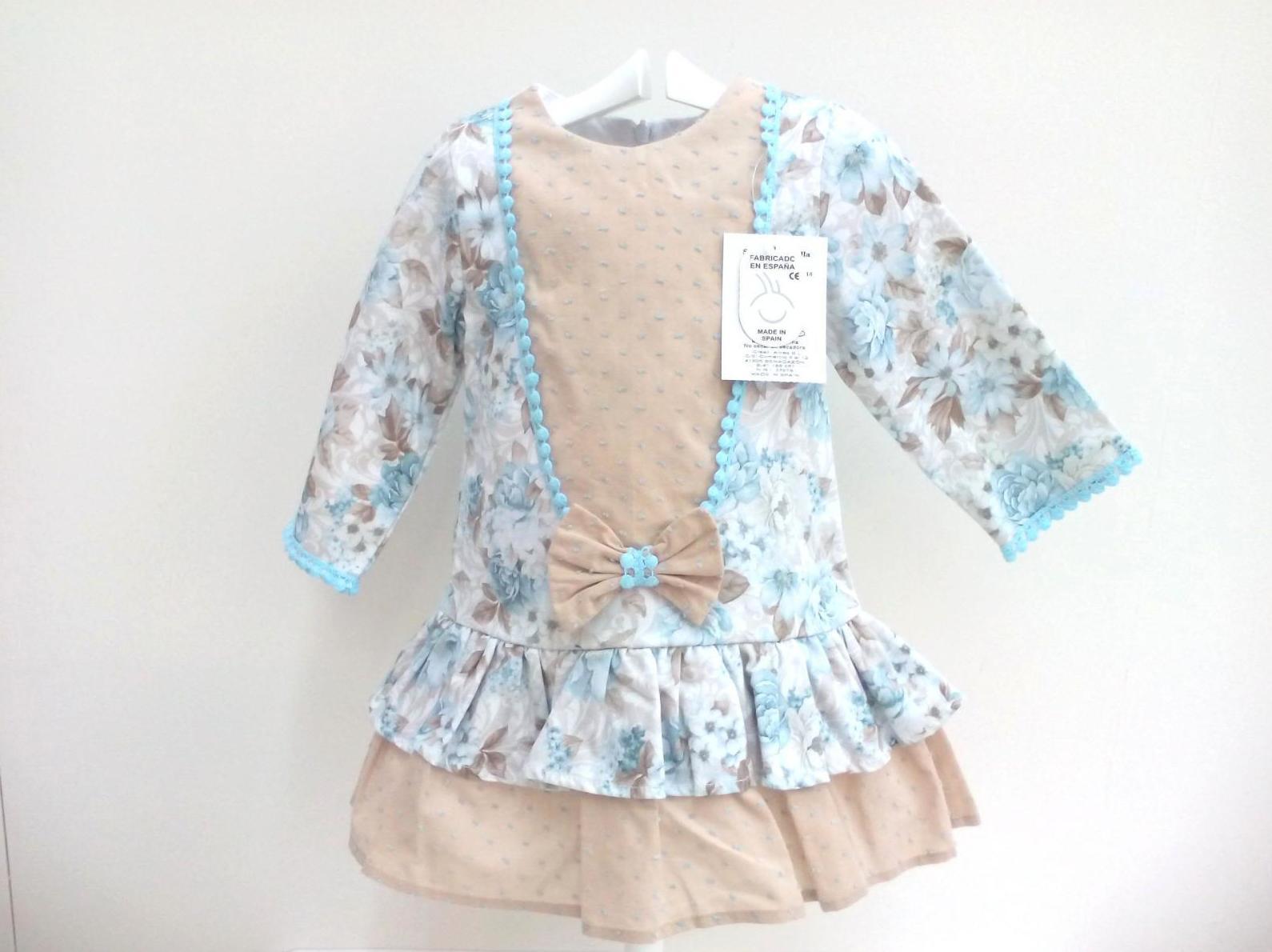 Vestido para niña de flores de Creaciones Alves