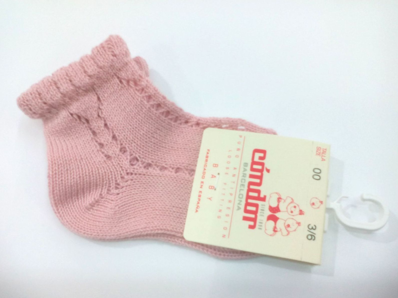 Calcetines cortos calados perlé rosa palo de Cóndor