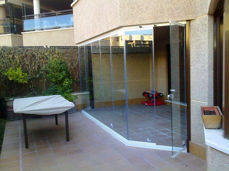 Somos profesionales de cortinas de cristal en todo Madrid