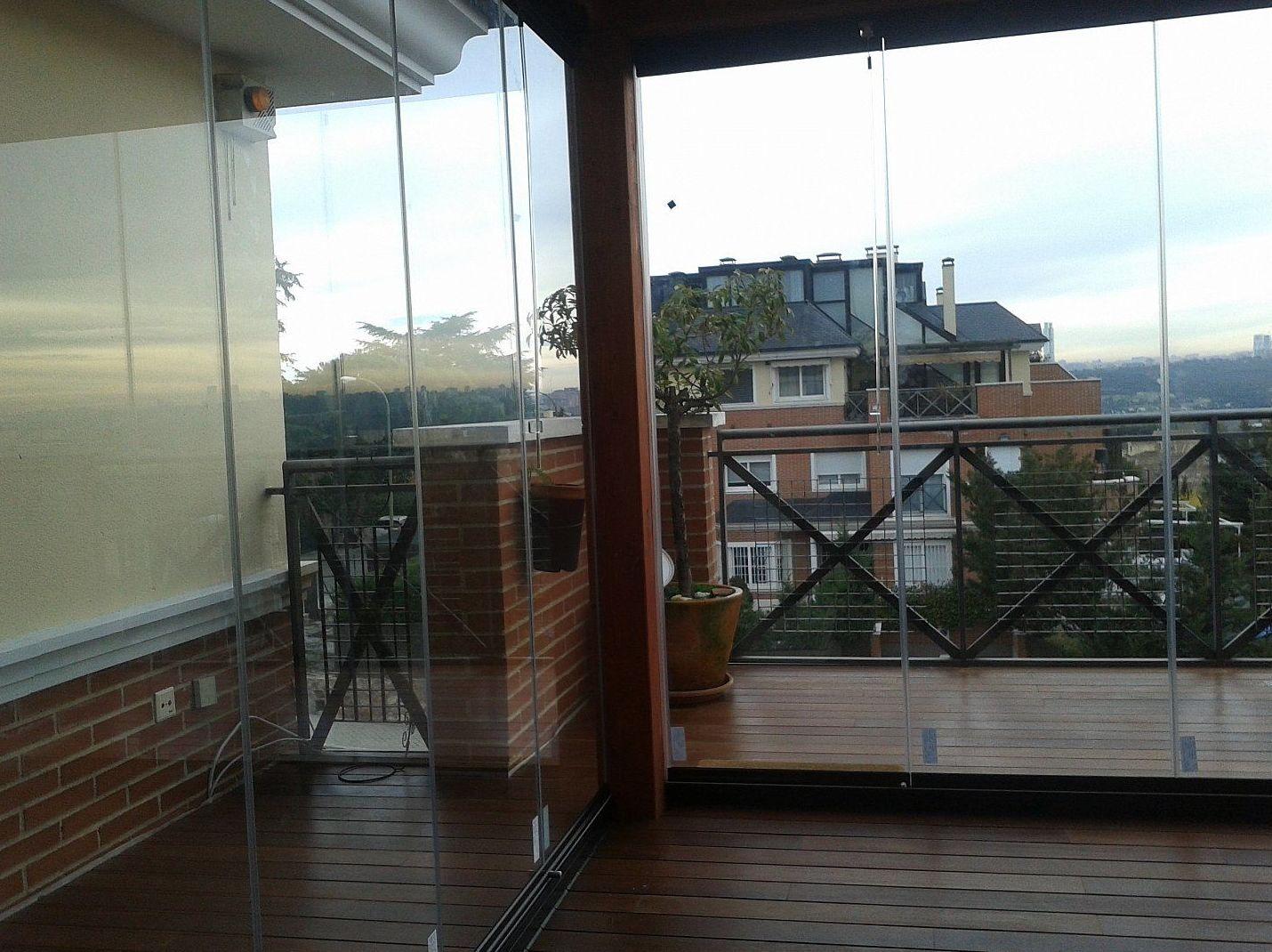 Cortinas de cristal para balcones y terrazas en Madrid
