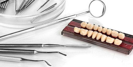 Prótesis dental fija: Servicios de Centro Dental Integral Mª Azucena Plata Vega