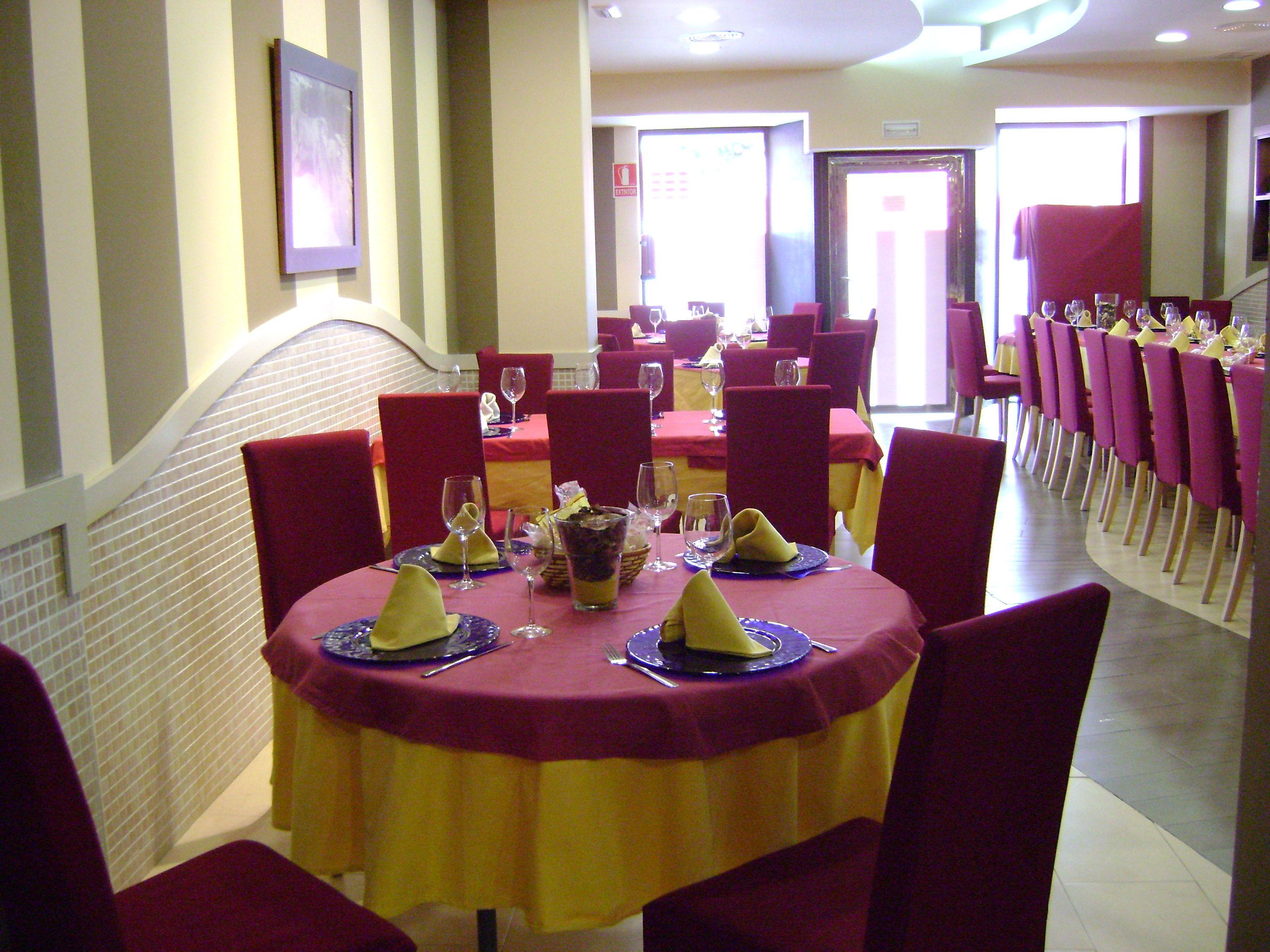 Foto 11 de Cocina castellano-leonesa en Sevilla | Bar La Pulchra