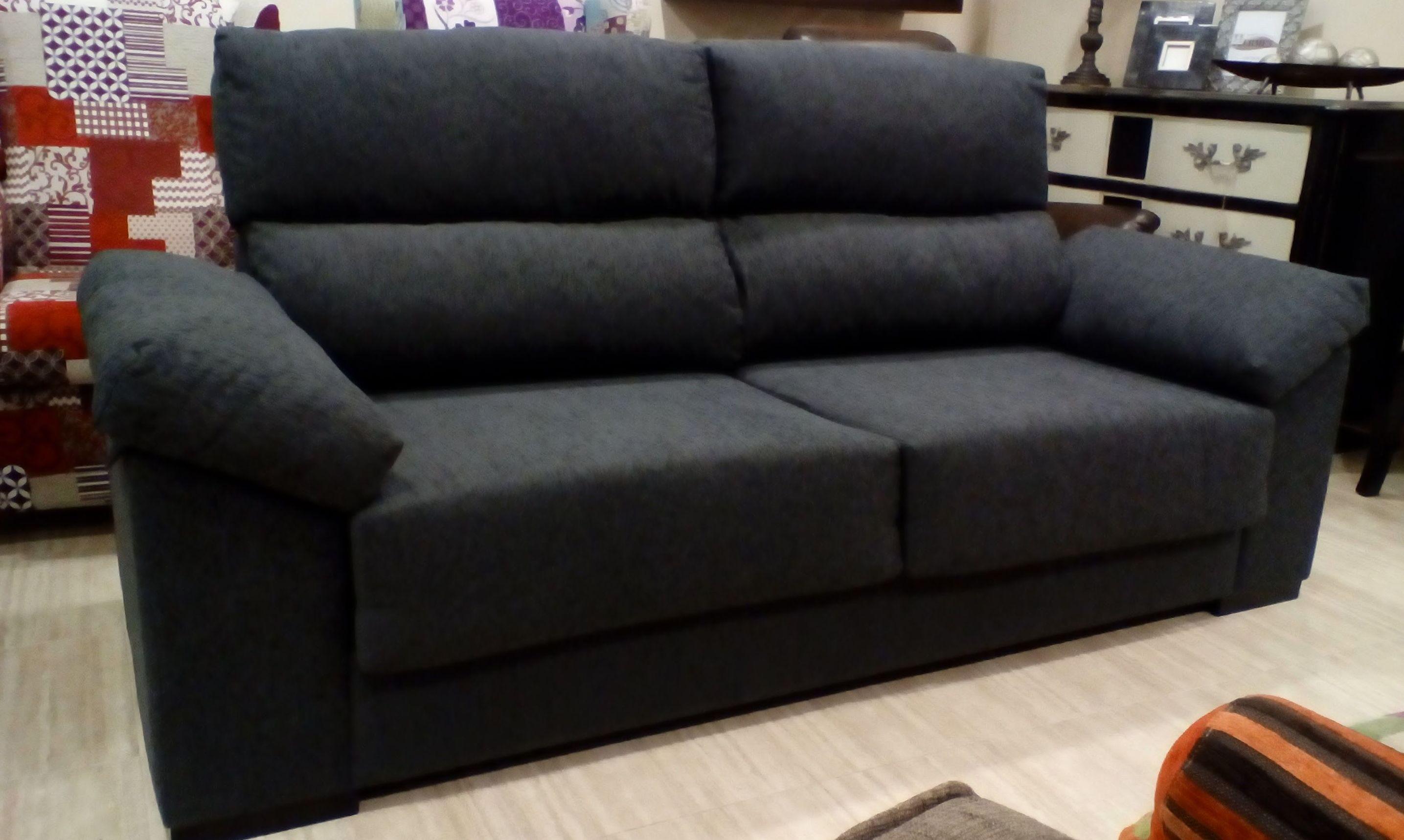 Oferta Sofá de 3 plazas!! con asientos deslizantes y respaldos reclinables por 415€