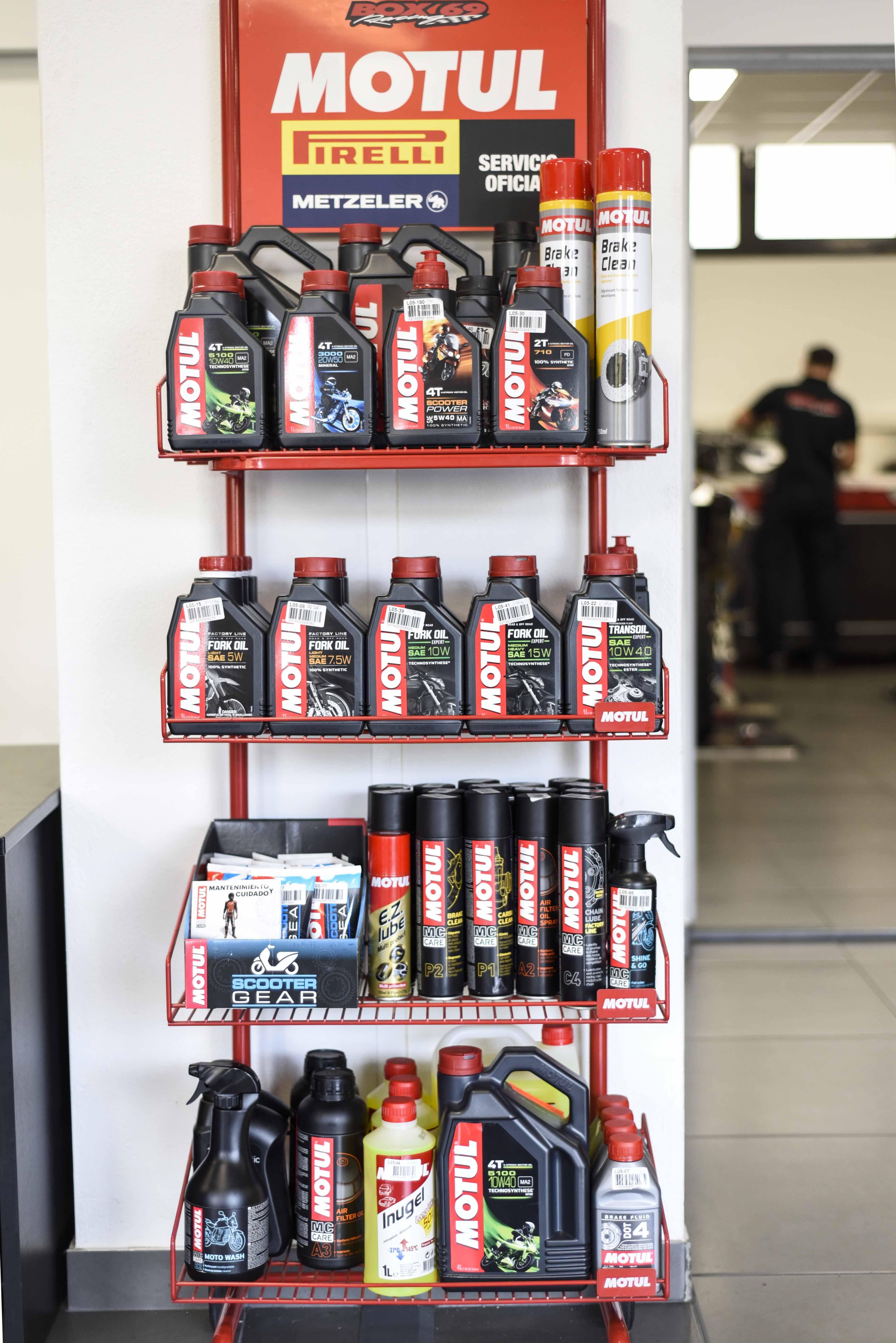 Aceite y productos de mantenimiento