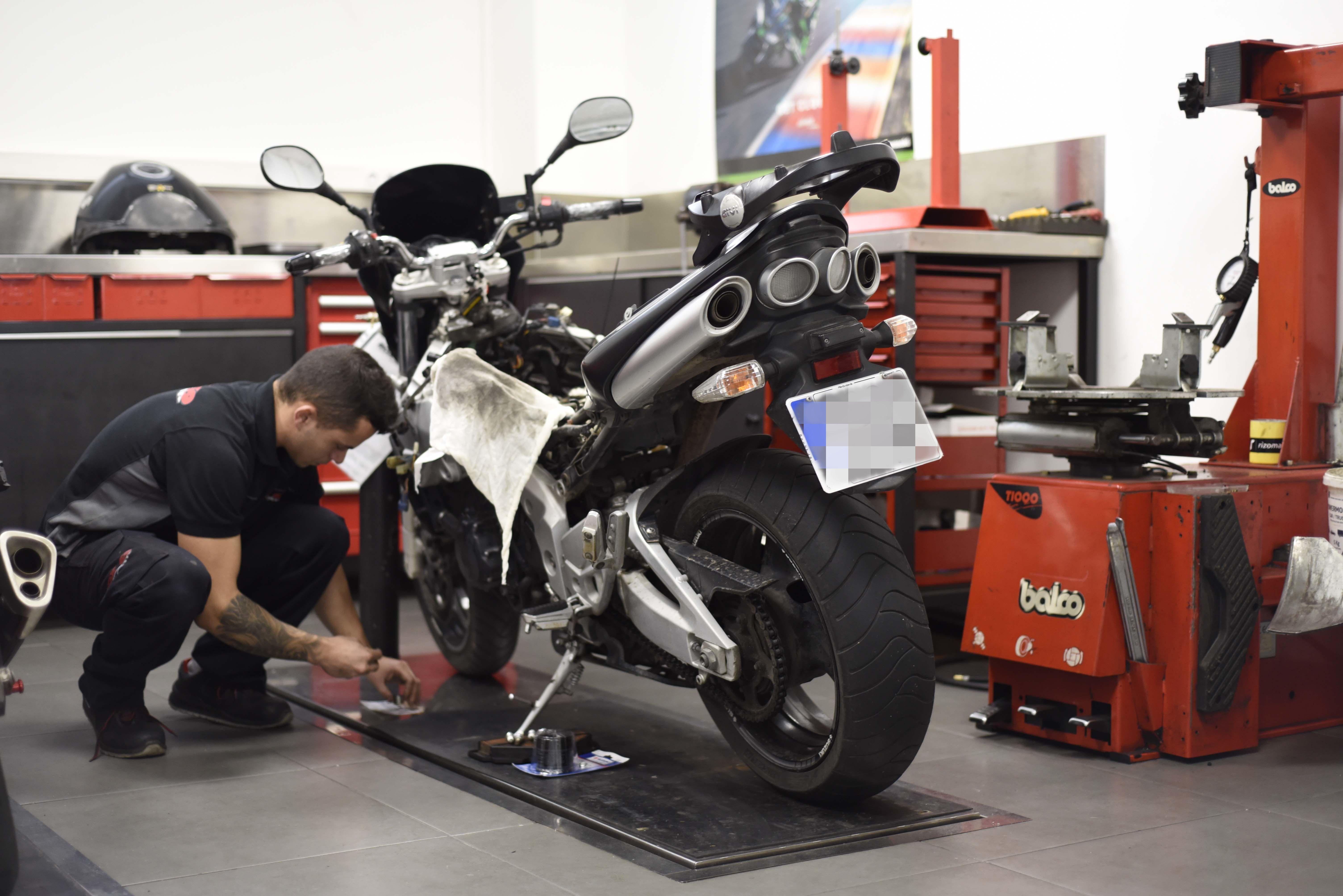 Reparación de motocicleta