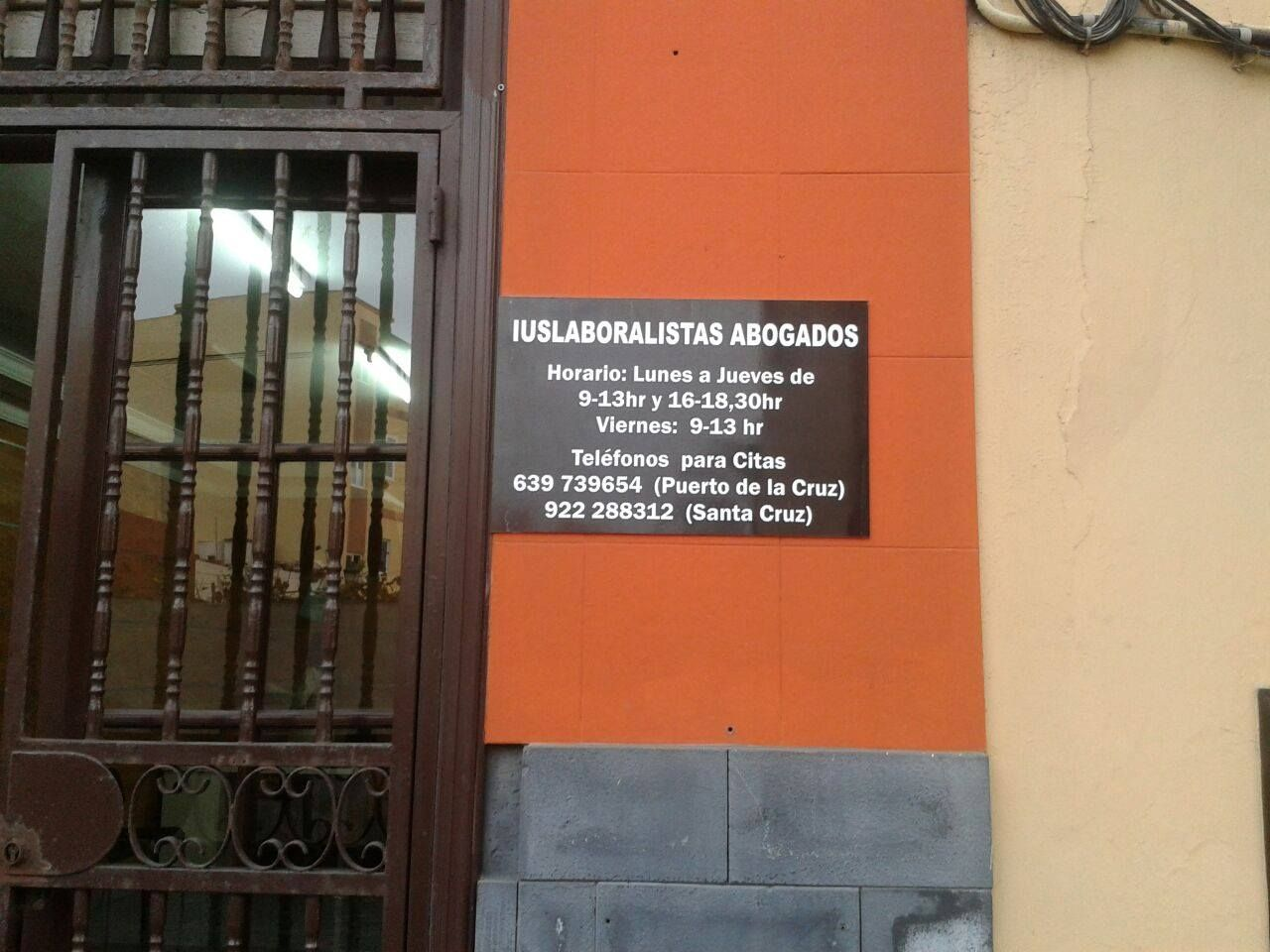Foto 1 de Abogados en Santa Cruz de Tenerife | Iuslaboralistas Abogados