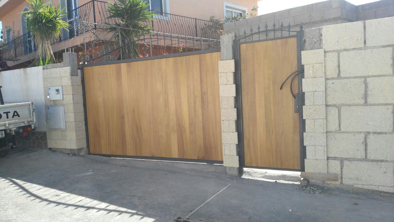 Puertas de seguridad: Productos de Carpintería Roberto Tavío