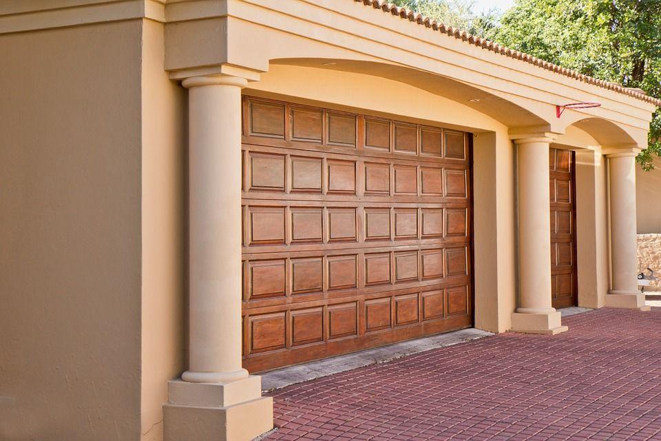 Puertas seccionales: Productos de Carpintería Roberto Tavío