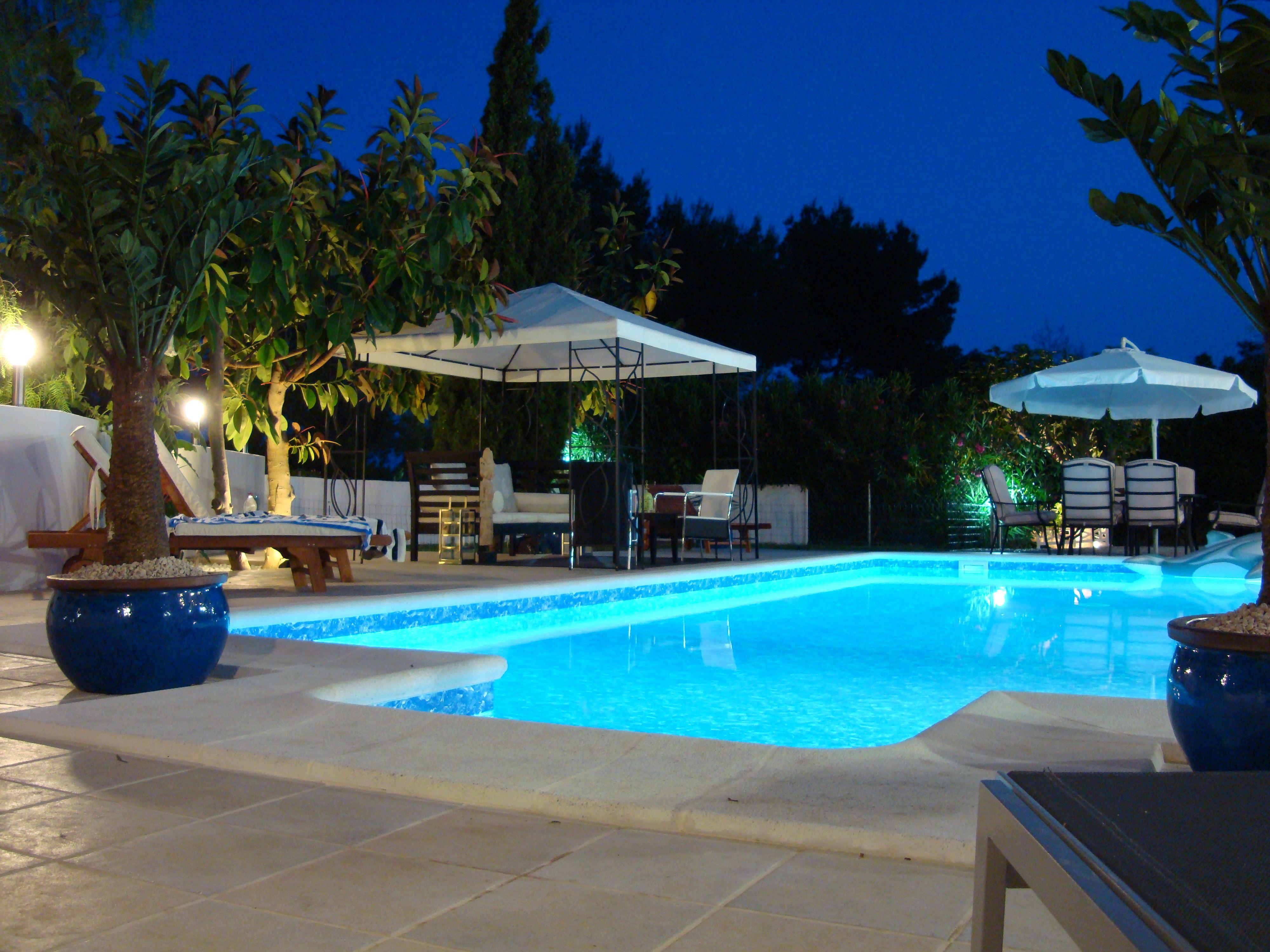 Iluminación de piscinas