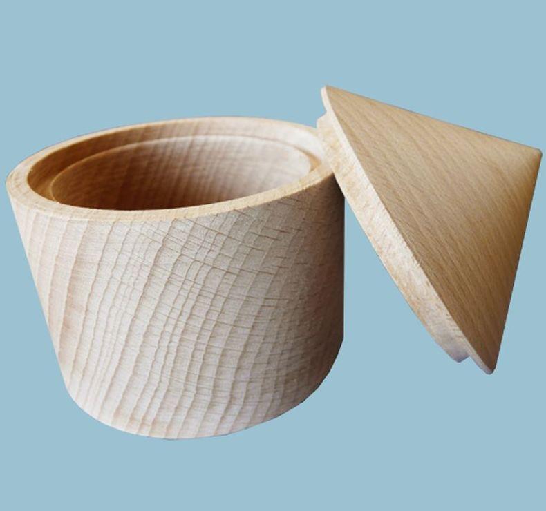 Cajita de madera torneada sin lacar.