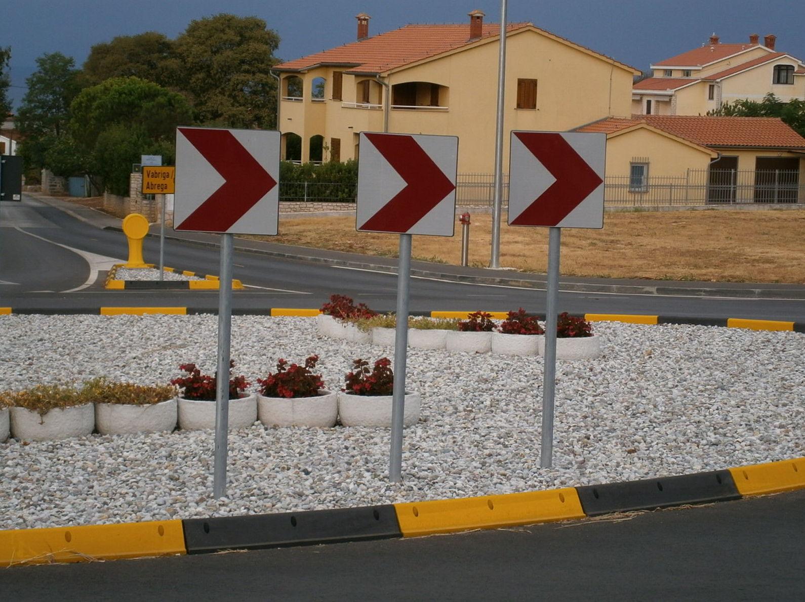 Bordillo Isleta: ¿Qué podemos ofrecerte? de CM PLASTIK RECYCLING SL