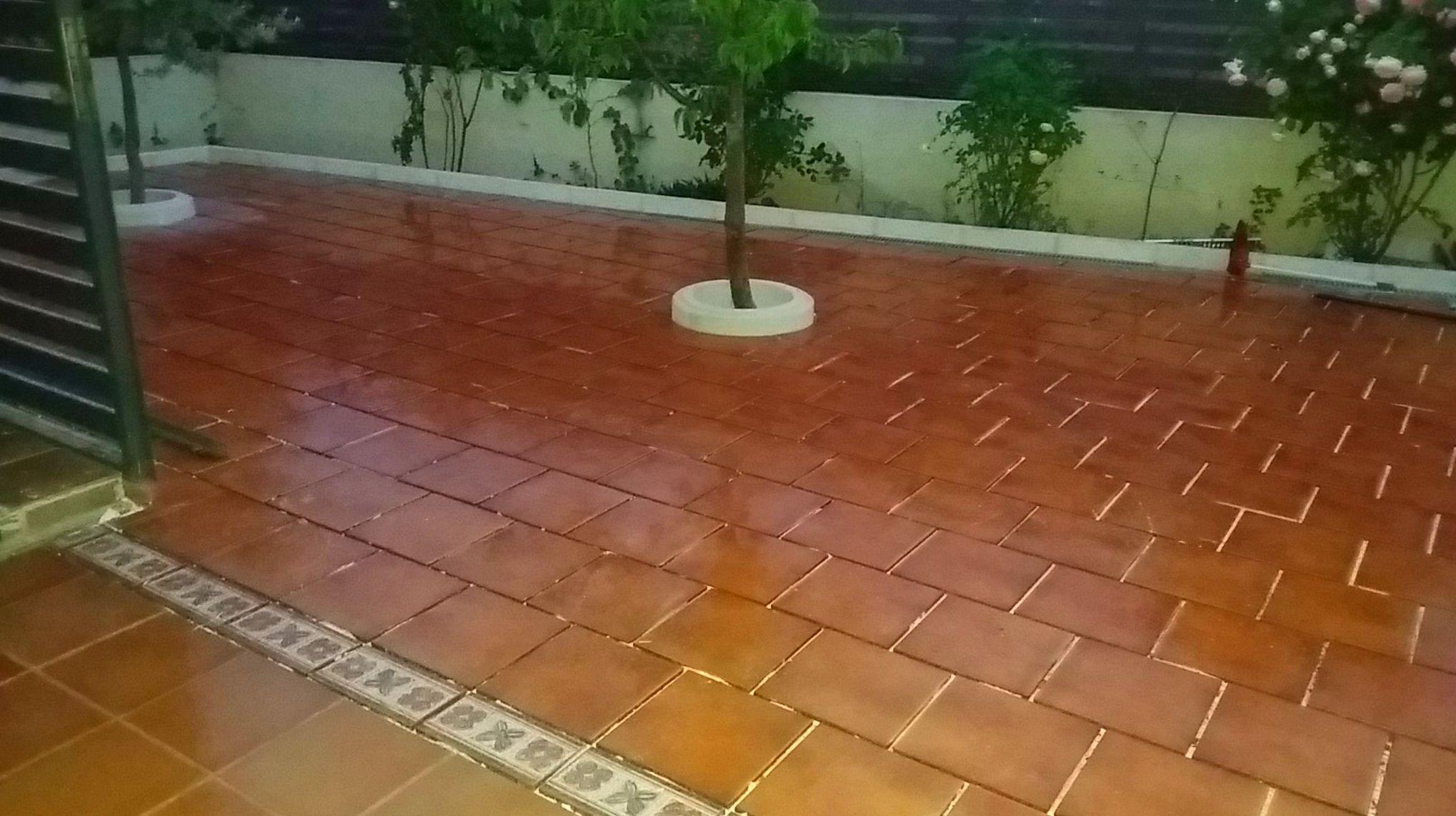 patio con solado e impermeabilización