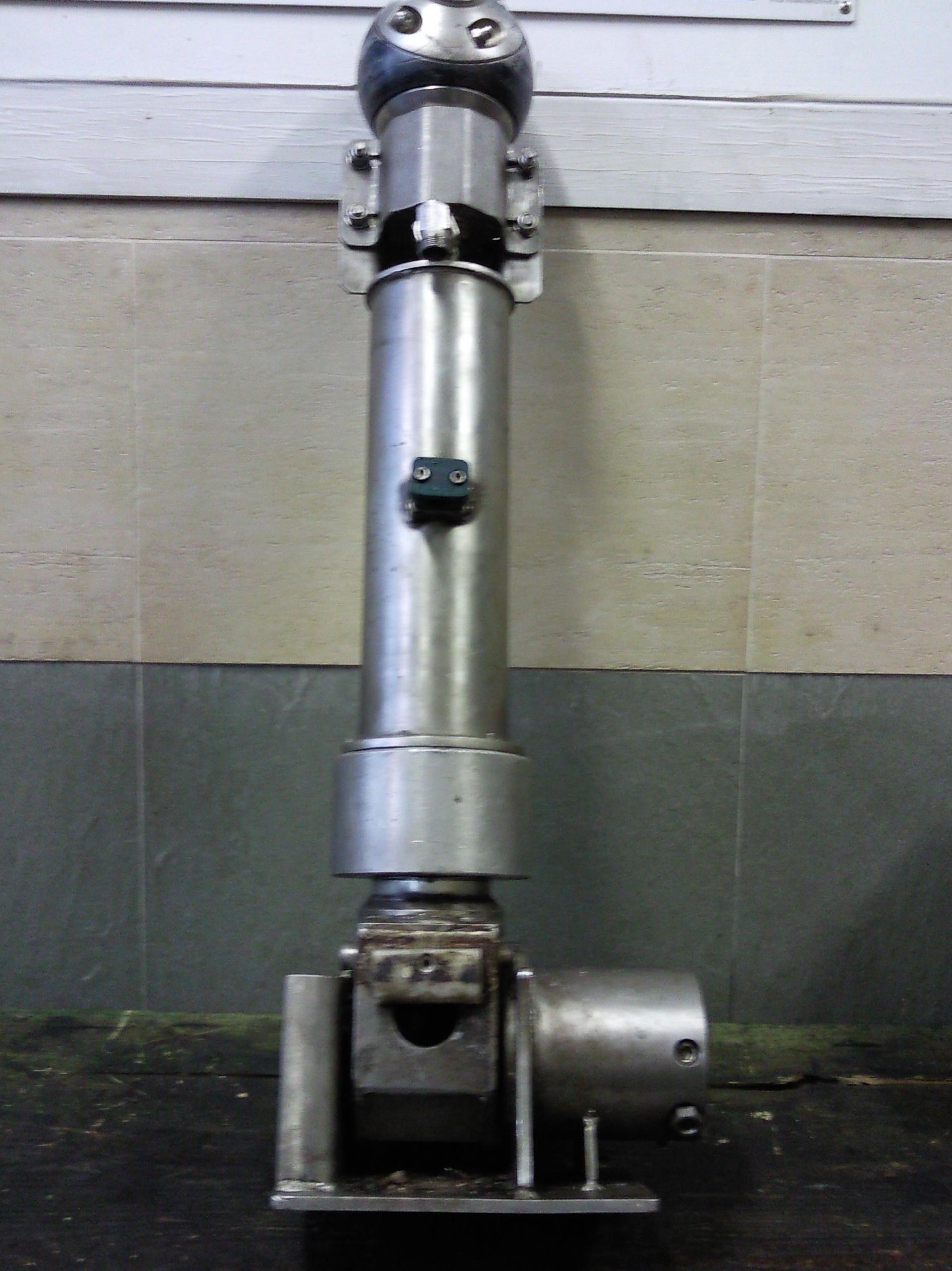 Hidraulico con cabezal giratorio y pulverizador de liquidos
