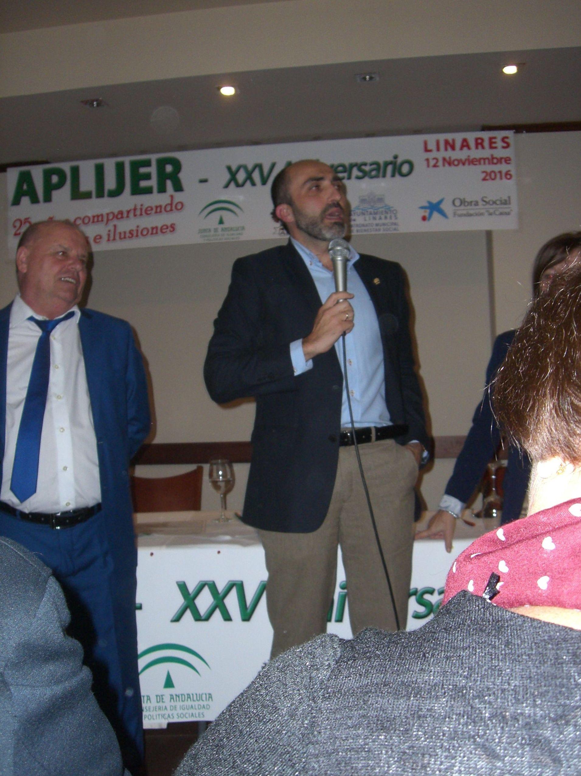 Año 2016 Reconocimiento al Psicologo de APLIJER en su XXV Aniversario