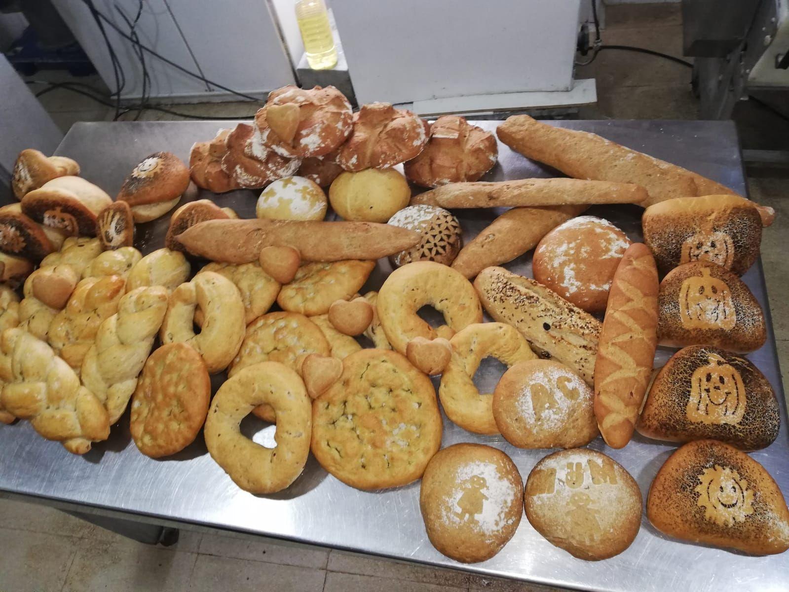 Elaboración de pan casero y bollería en Linares