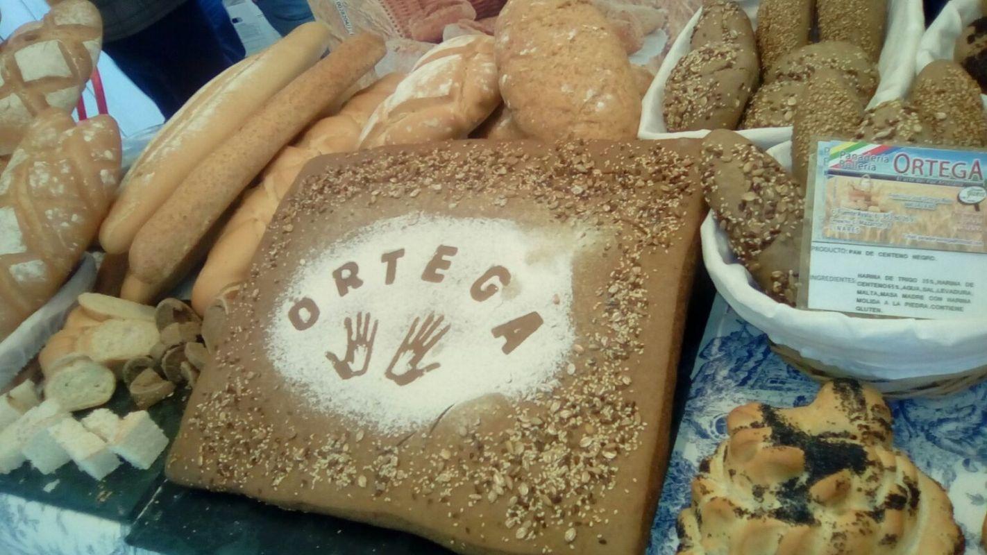 Elaboración de pan casero en Jaén