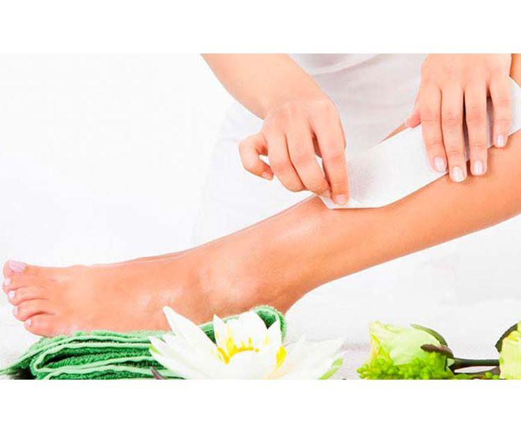Depilación de piernas con cera