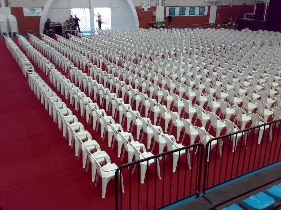 Alquiler de sillas de plastico en Asturias.