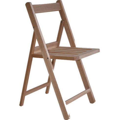 Alquiler de silla de madera plegable.