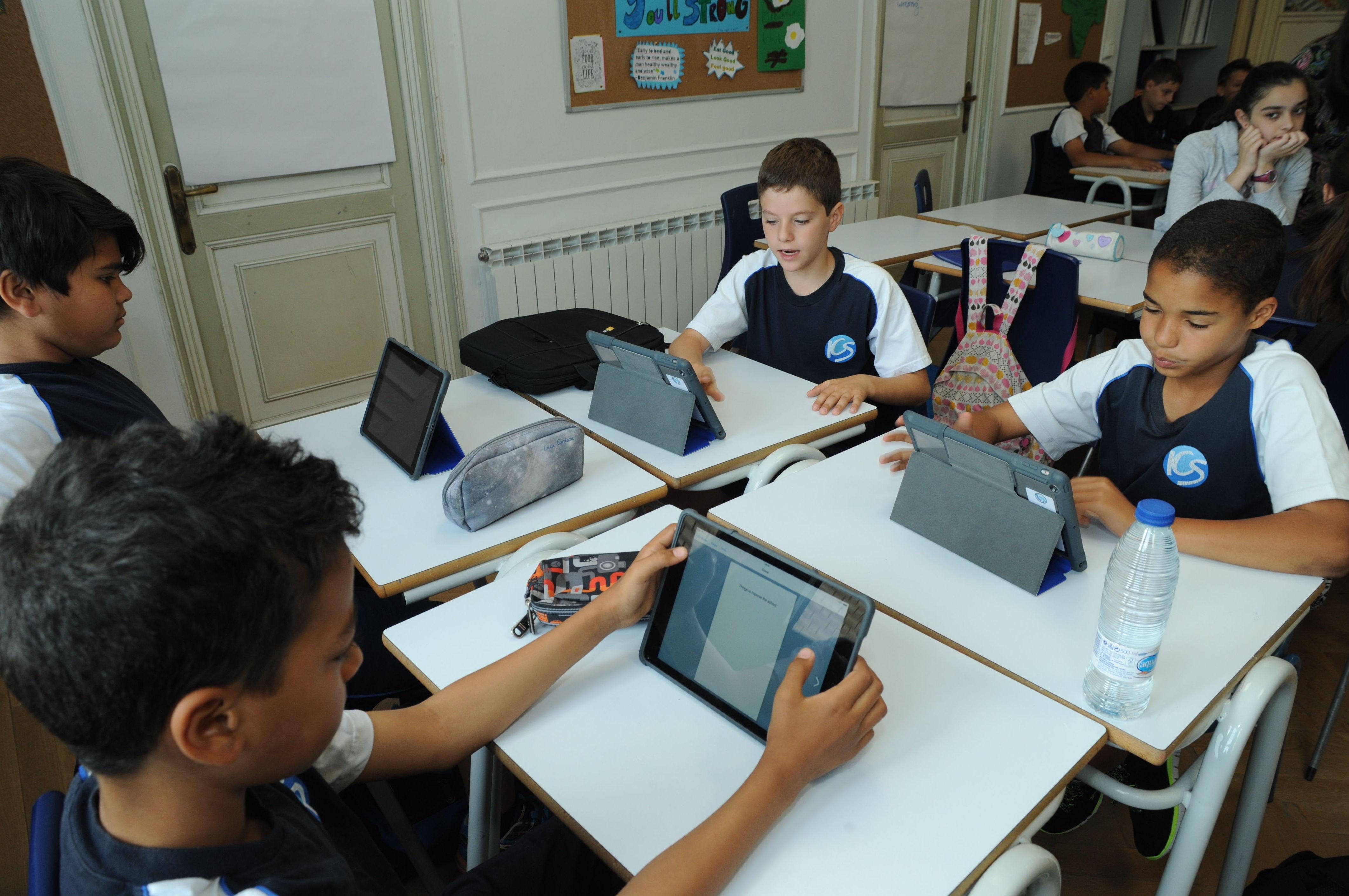 Alumnos ICS en clase