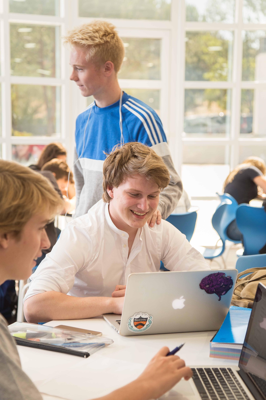 Foto 3 de Colegios privados con enseñanza totalmente en inglés en La Moraleja | International College Spain