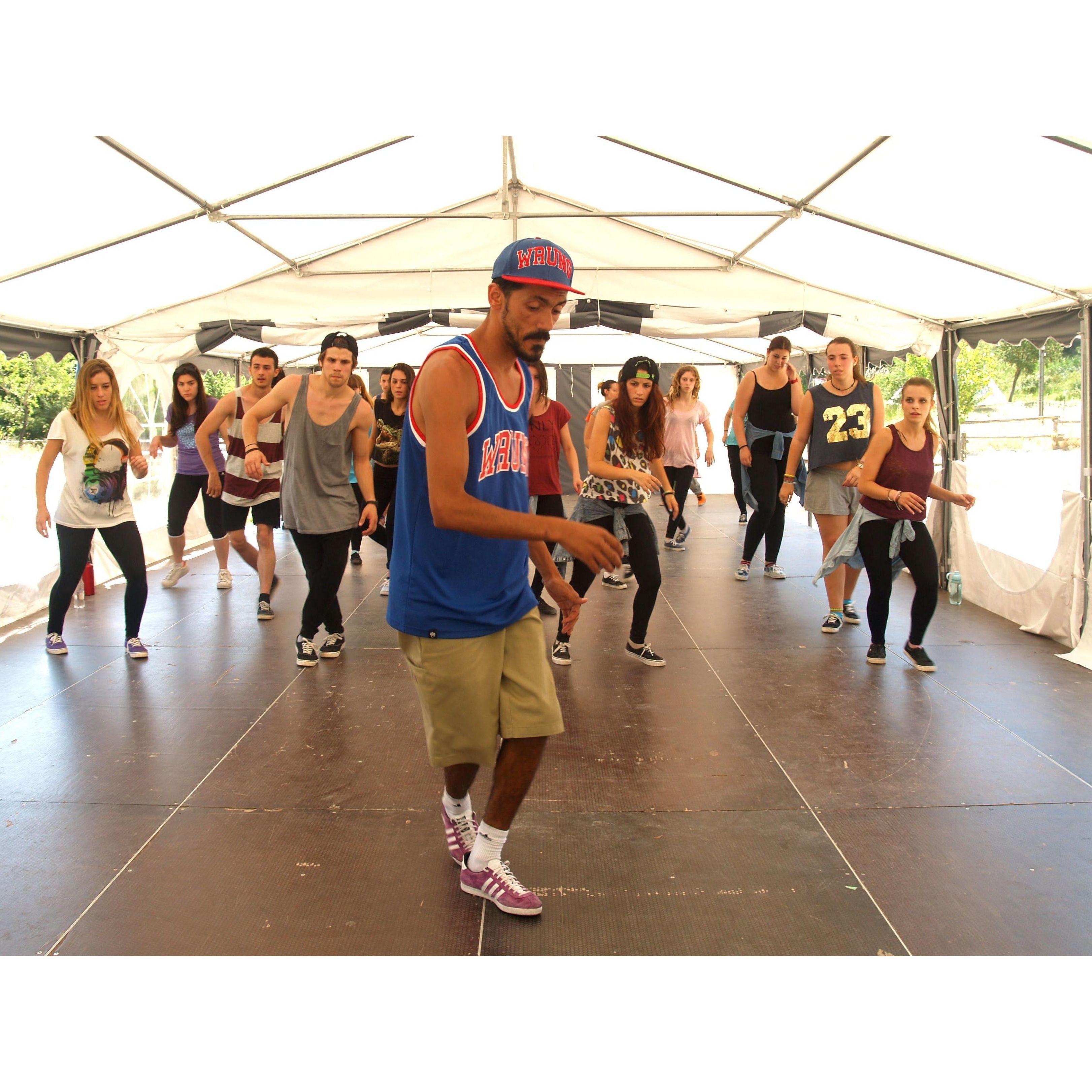 Clases de Old School en Valencia: Clases y Campamentos de Dance Center Valencia
