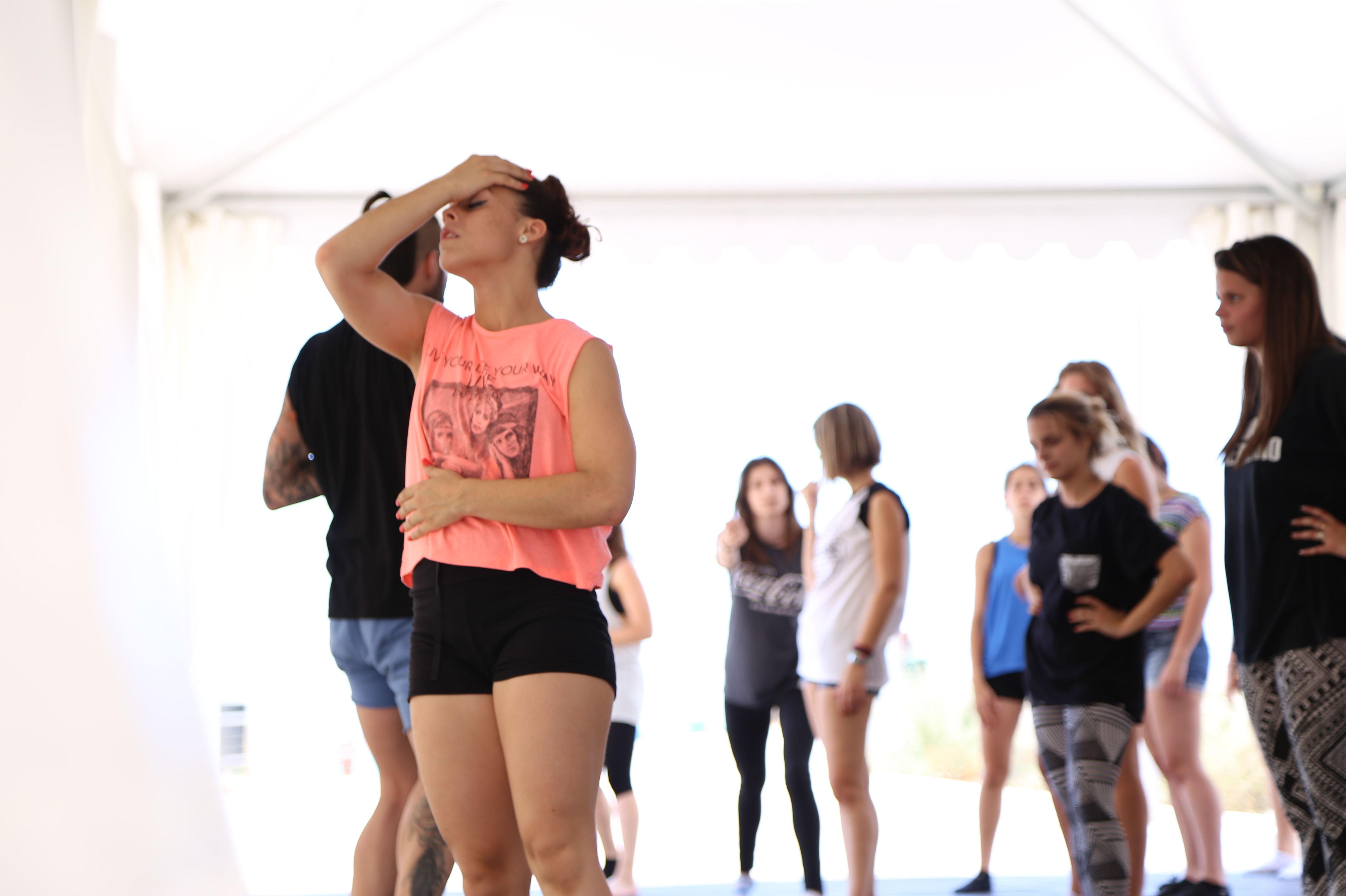 Campamento de verano adulto de baile