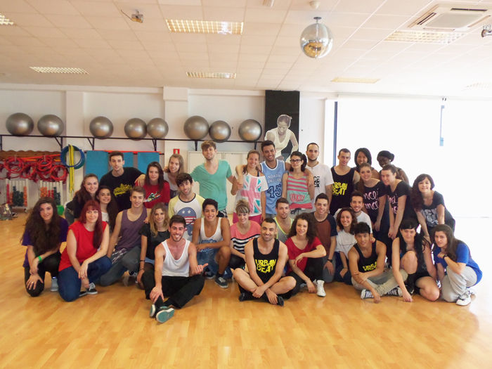 DANCE CENTER VALENCIA CLASES DE BAILE