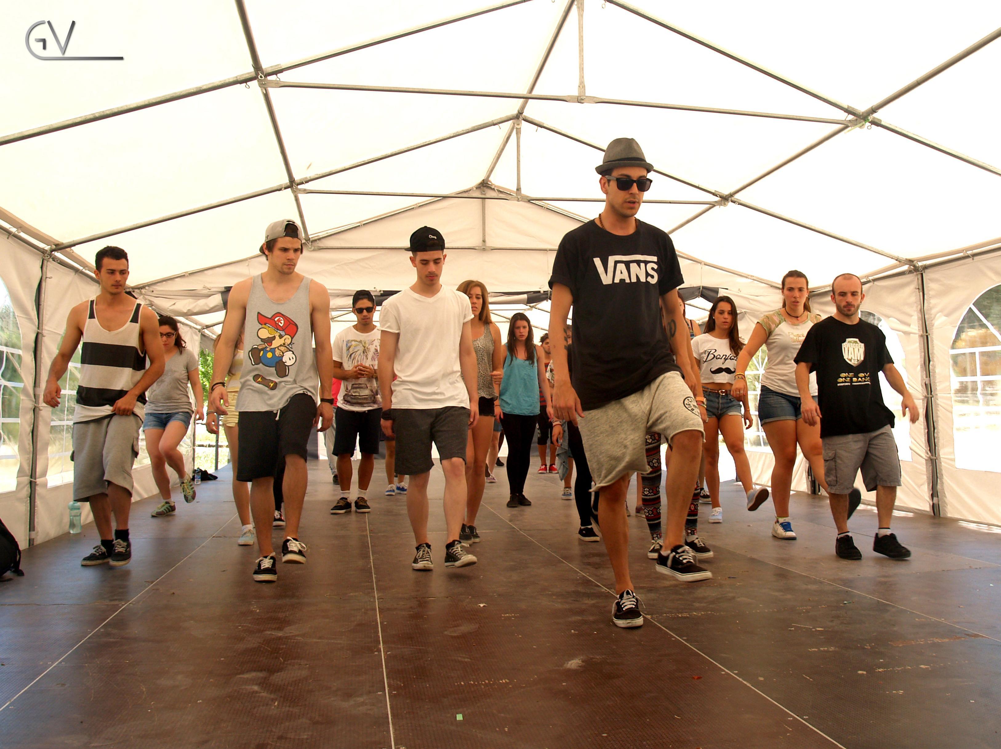CAMPAMENTO DE VERANO DE BAILE DANCE CENTER VALENCIA