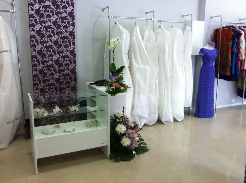 Amplia variedad de vestidos de novia y madrina en Las Palmas