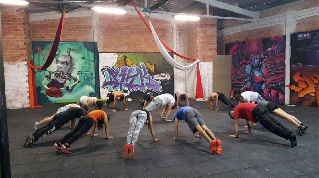 Clases de danza oriental en el barrio de Ruzafa, Valencia