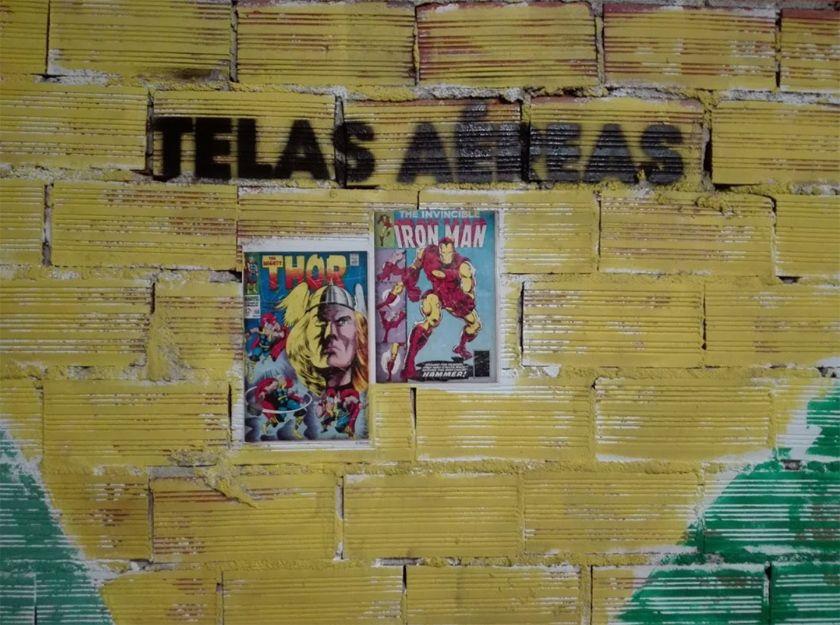 Telas aéreas en el barrio de Ruzafa, Valencia