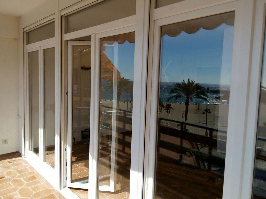 Fabricantes e instaladores de puertas y ventanas de PVC en Almería