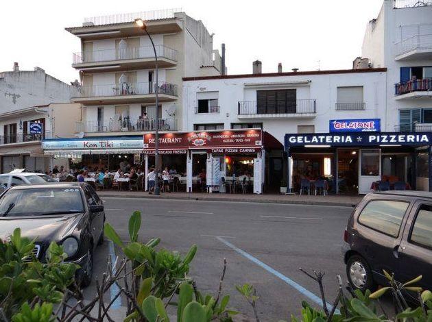 Restaurant Rosama en el paseo marítimo de L'Estartit (Girona)