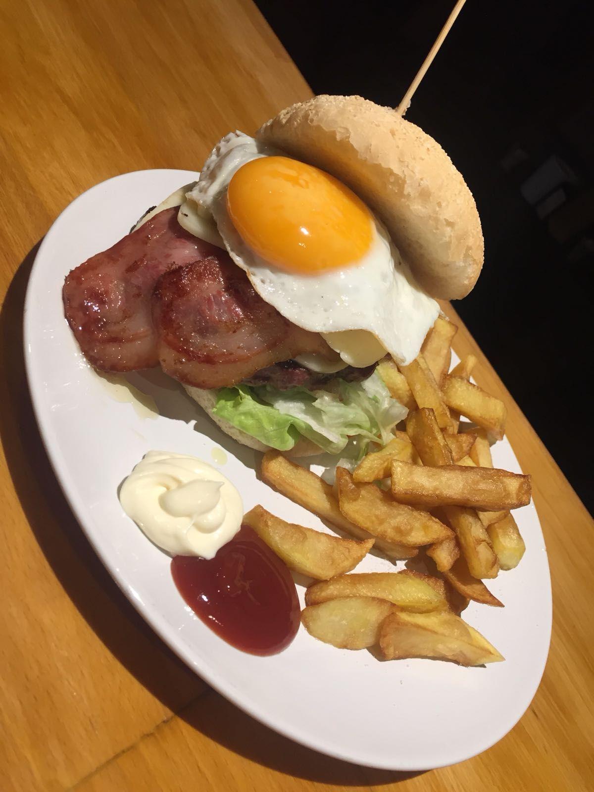 Hamburguesas y sándwiches: Carta de El Rincón  D´María