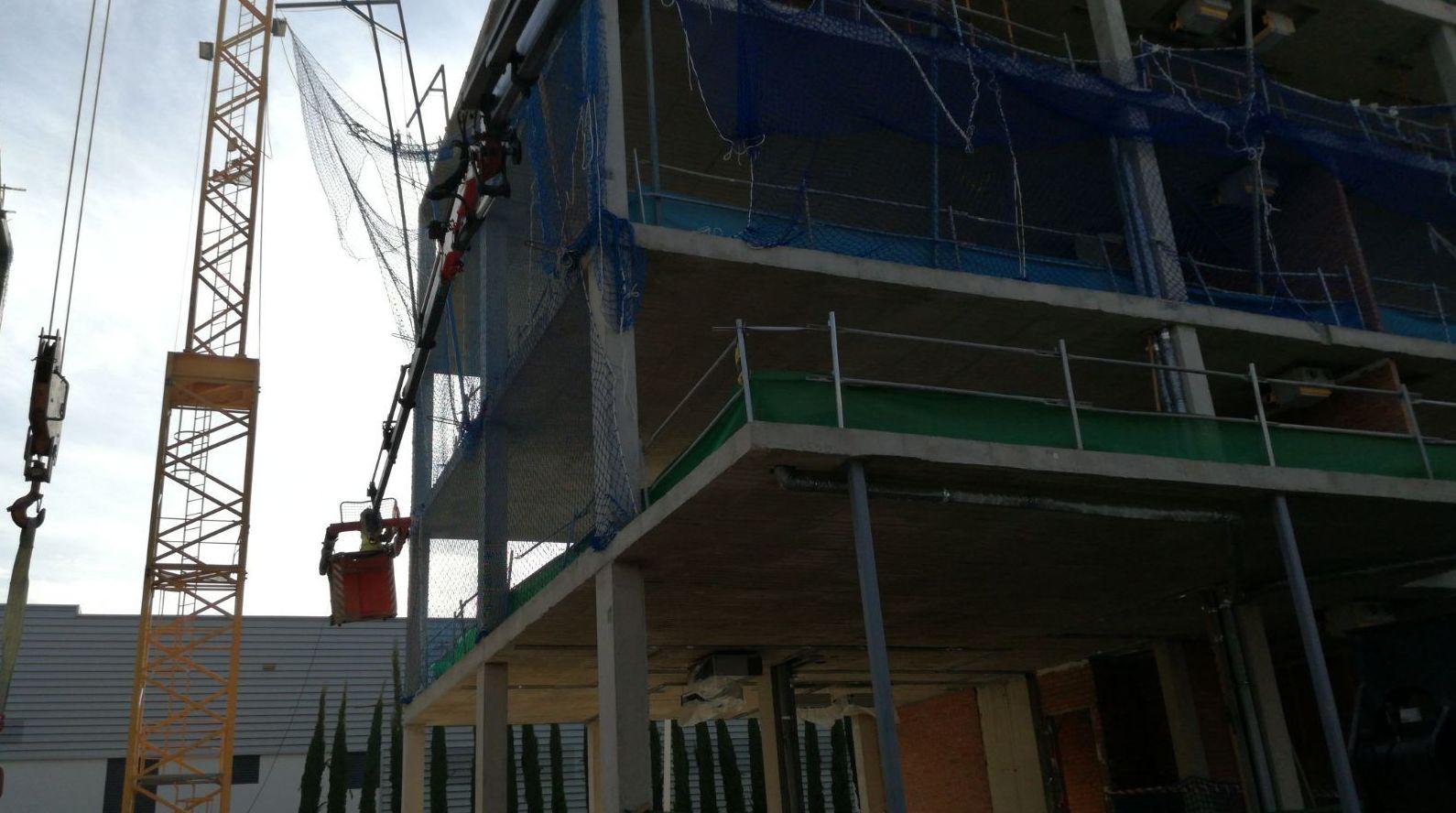 Foto 17 de Efectivos servicios de alquiler de grúas para obras en Torrejón de la Calzada | Grúas Ricar