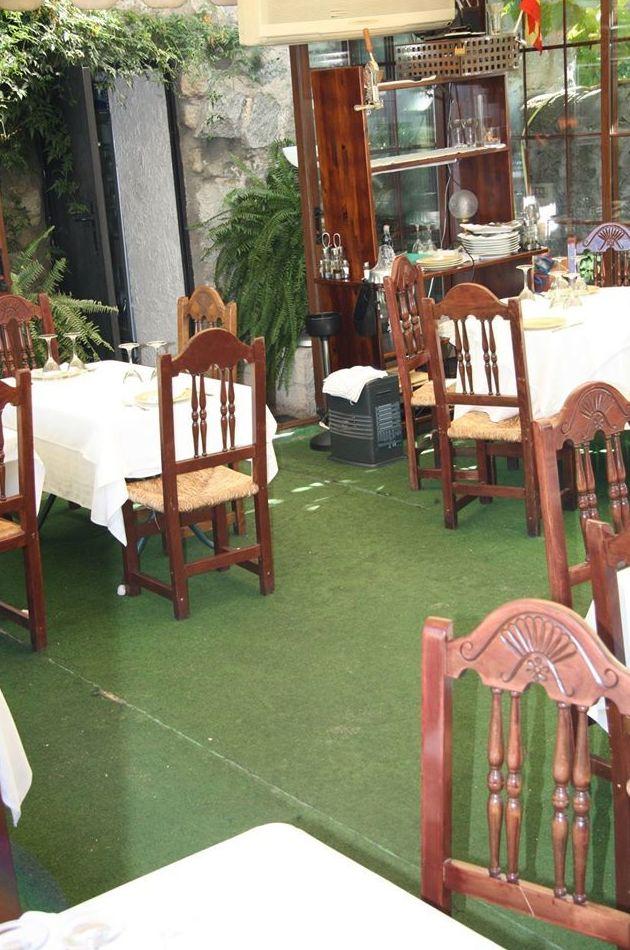 Restaurante con terraza, Moralzarzal