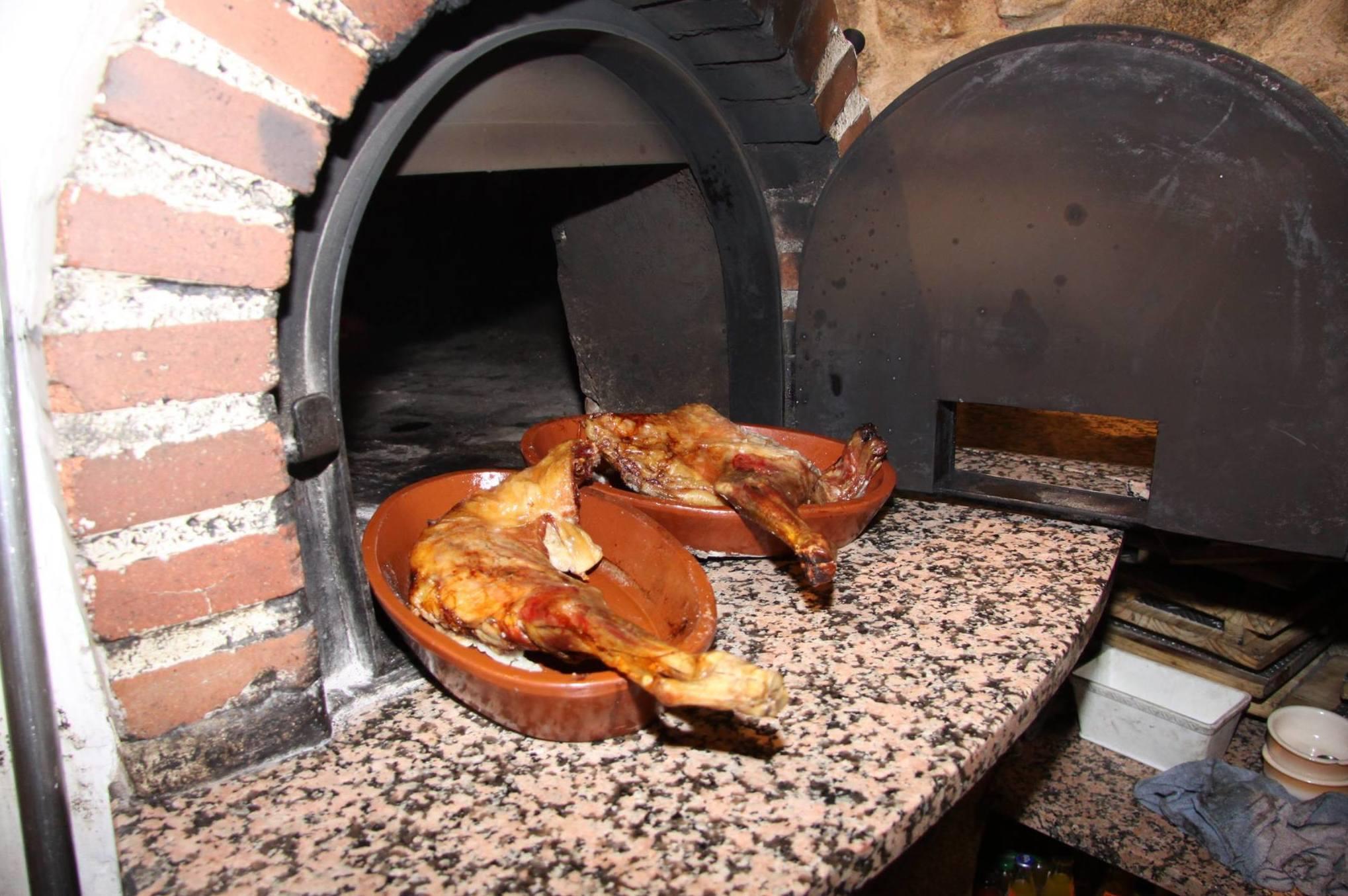 Foto 33 de Asador - restaurante en Moralzarzal | El Asador del Duque