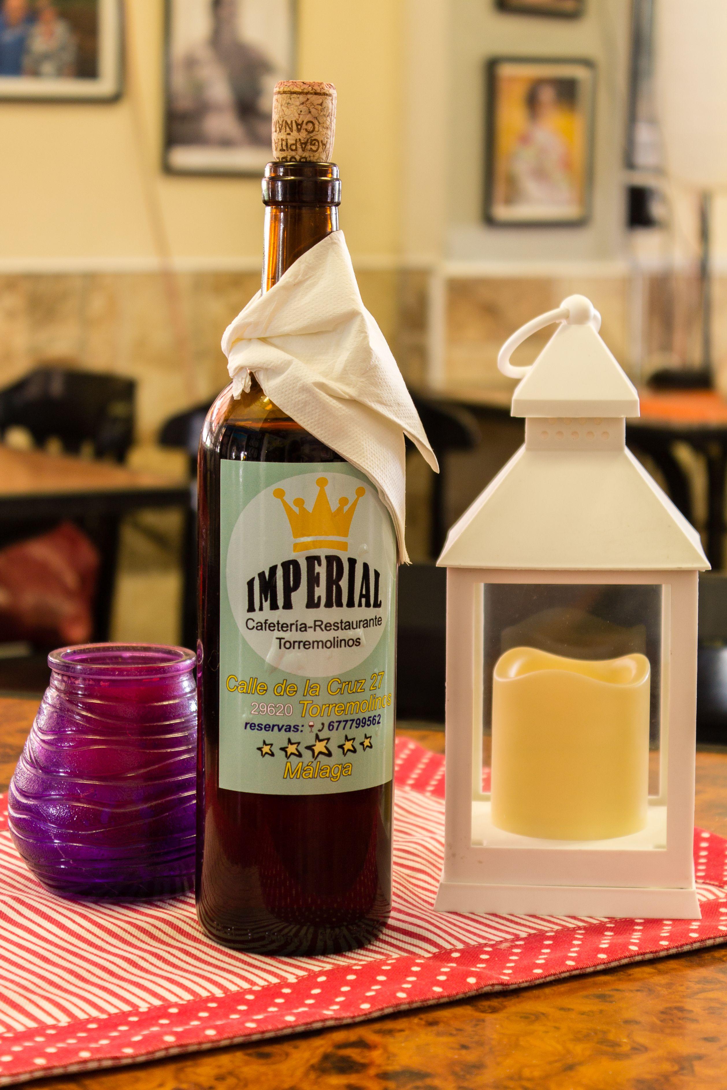 Botella de vino del Restaurante Imperial