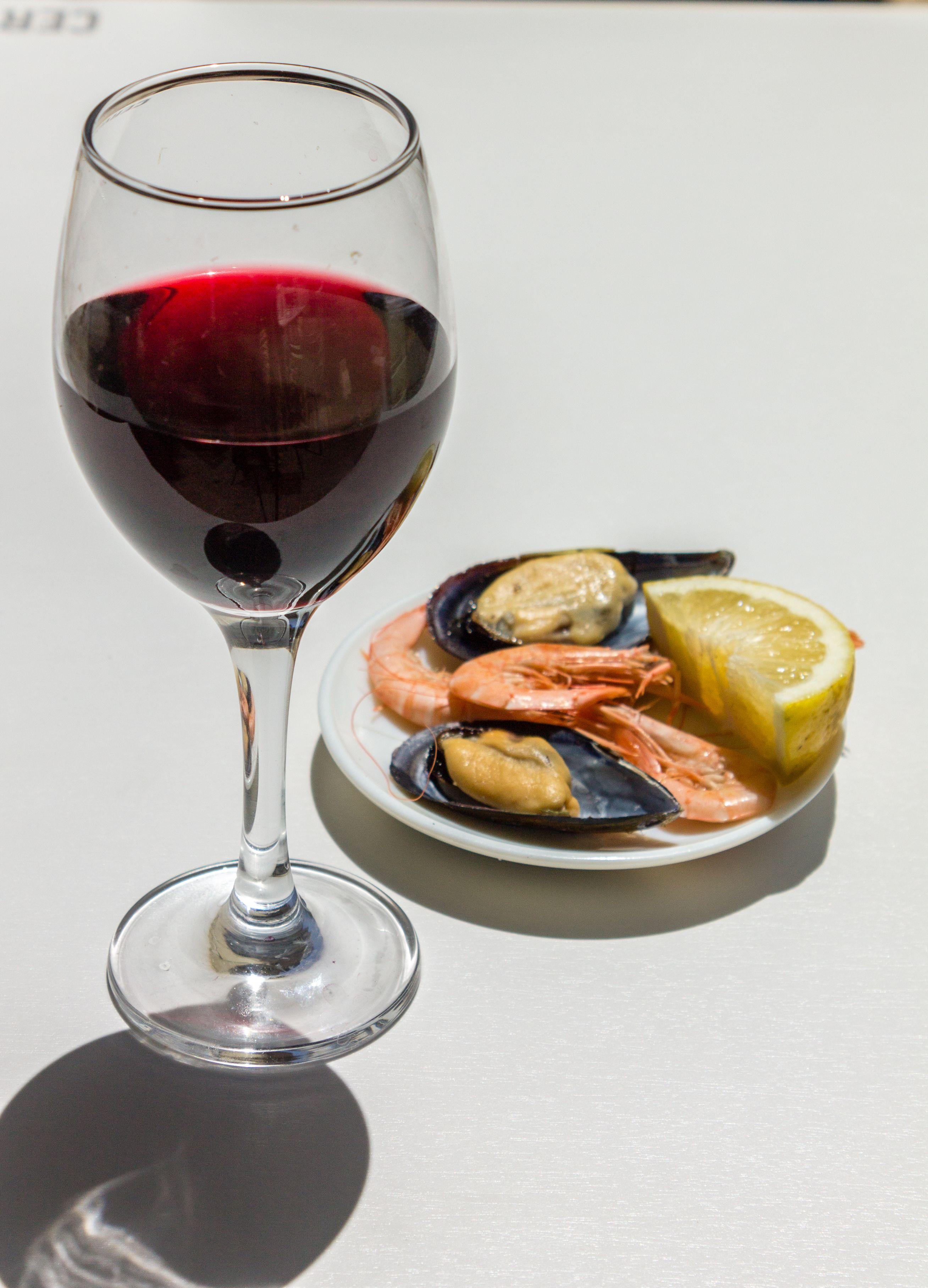 Degustación de vino y marisco
