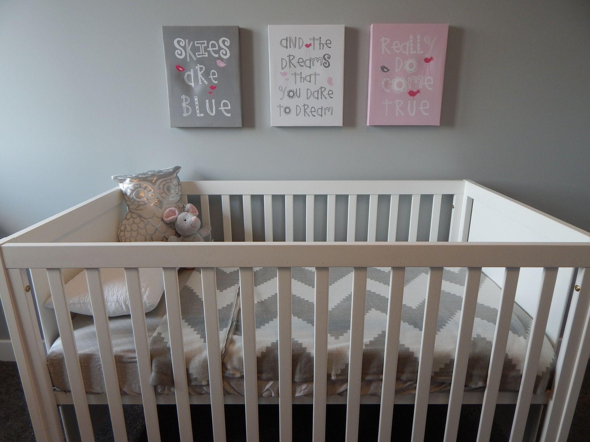 Cunas y mobiliario para habitaciones de bebé en Sevilla