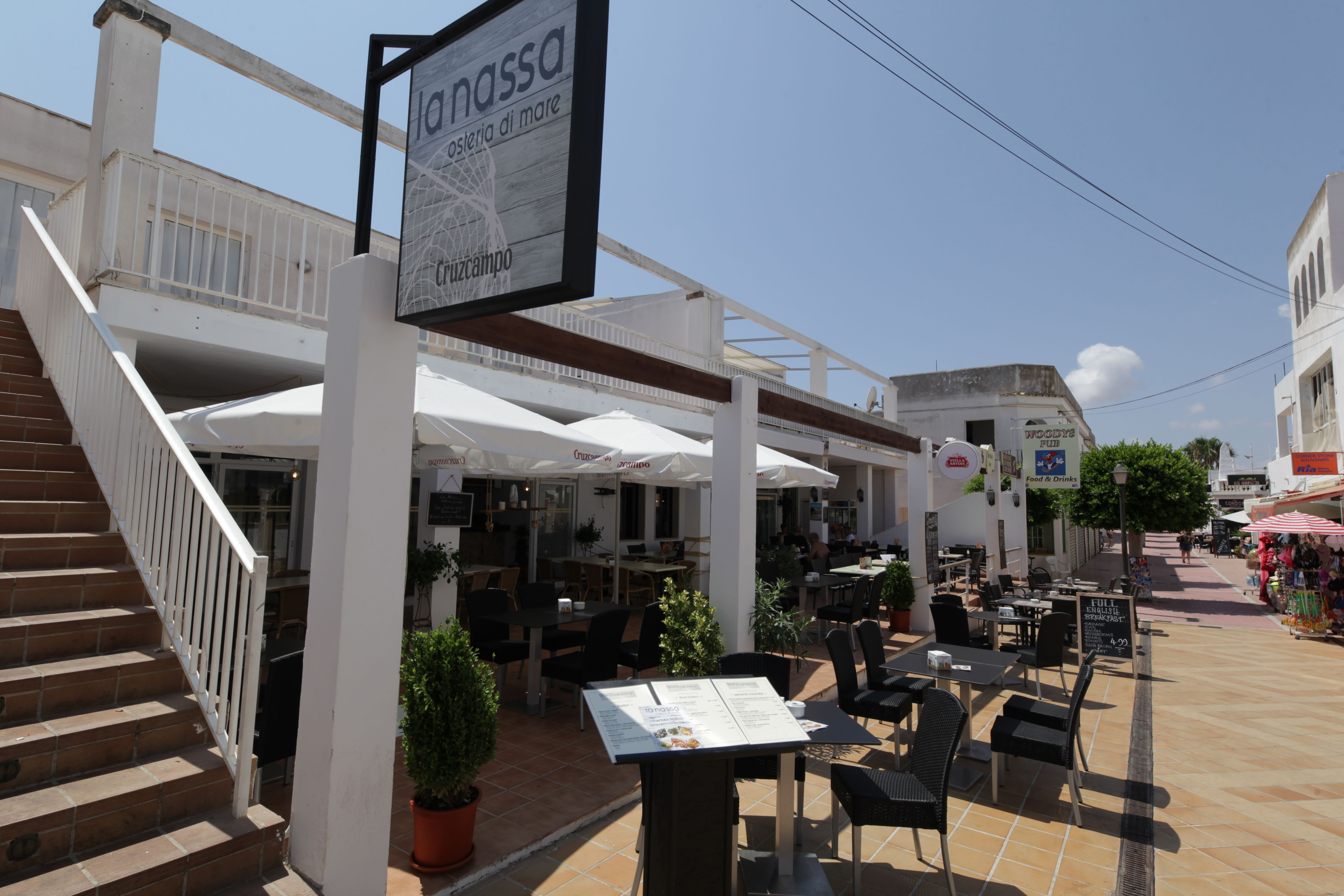 Outdoor terrace Restaurant La Nasa