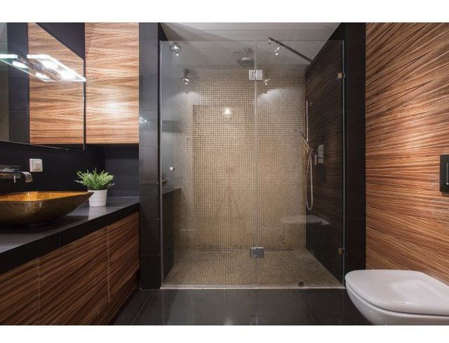 Instalación de mamparas de baño: Servicios de Fontanería Juanjo