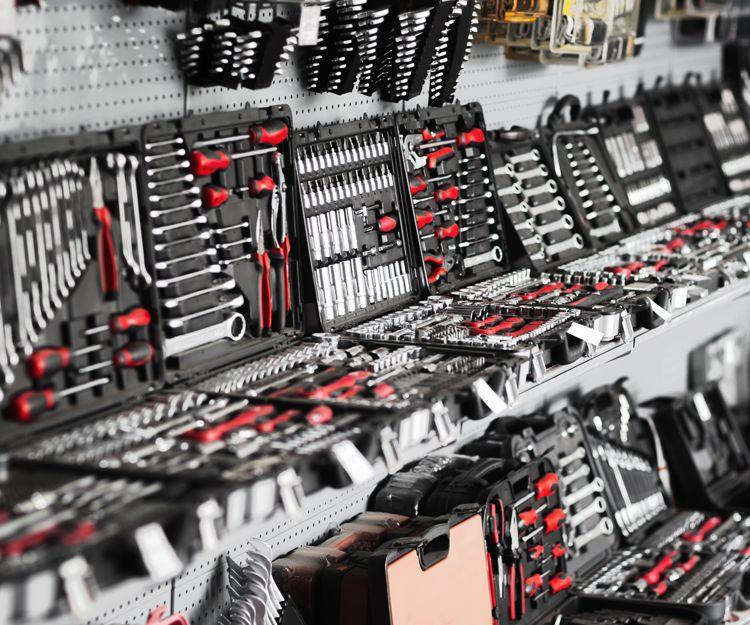 Venta de herramientas en León, C/ Arquitecto Ramón Cañas del Río