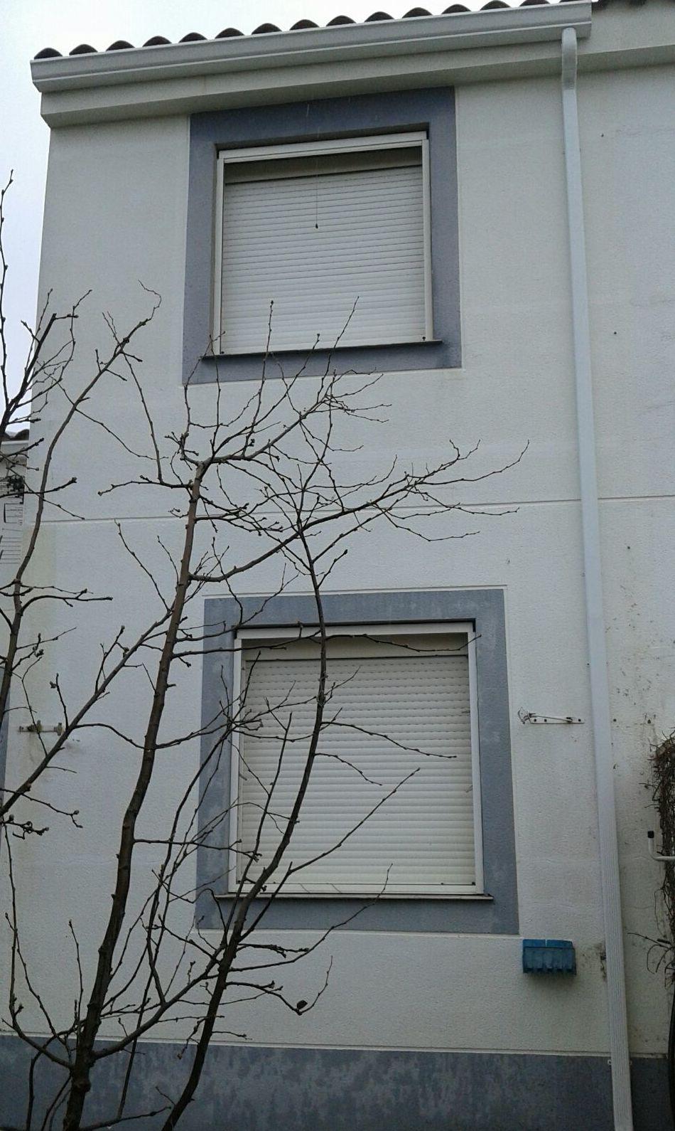 Instalación de canalones en fachadas